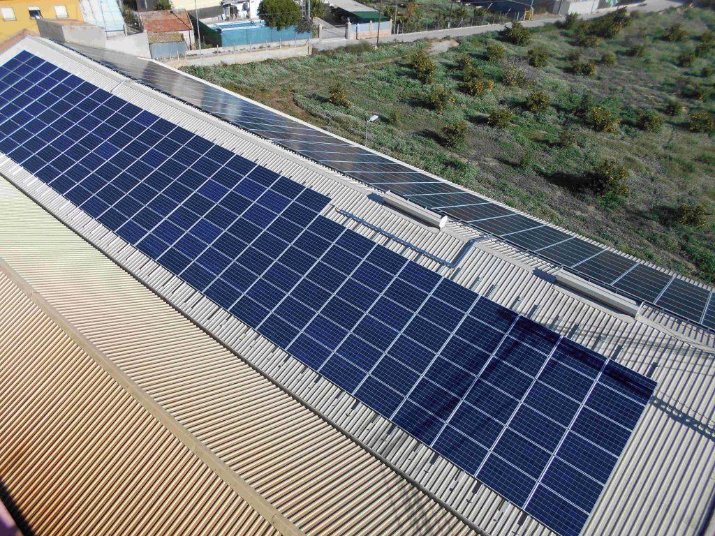 Cubierta fotovoltaica Destilerías Muñoz Gálvez