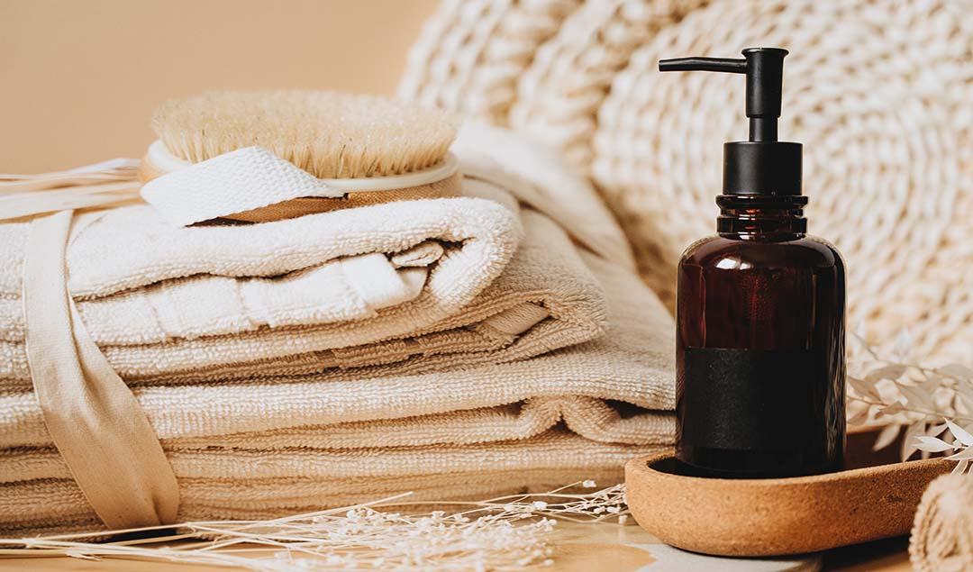 Lee más sobre el artículo Champús y acondicionadores: encontrando la fragancia ideal para tu cabello